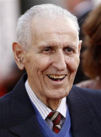 6月3日、安楽死推進論者で「死の医師」の異名で知られたジャック・キボキアン元医師(83)が、米ミシガン州の病院で死去した。米カリフォルニア州で1月撮影(2011年 ロイター/Danny Moloshok)