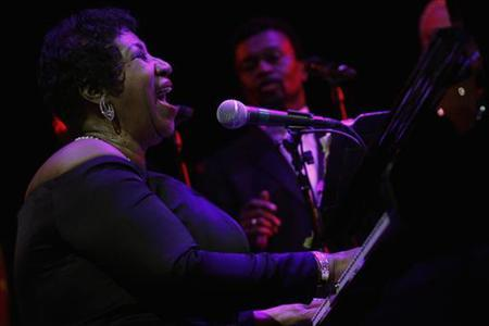 Singer Aretha Franklin performs at the Candie's Foundation 10th anniversary ''Event to Prevent'' benefit in New York May 3, 2011. REUTERS/Eric Thayer