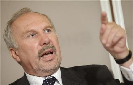 Ewald Nowotny, Governor of Austrian National Bank (OeNB), attends a news conference in Vienna June 14, 2011. REUTERS/Herwig Prammer