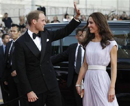 Hollywood royalty meets real British royalty | Reuters