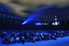 """<p>Over six thousand fans watch """"Harry Potter And The Deathly Hallows: Part 2"""" Croatian movie premiere at the Roman Amphitheatre in the northern Adriatic city of Pula, 270 km (167 miles) south-west from capital Zagreb, July 19, 2011. Picture taken July 19, 2011. REUTERS/Stringer</p>"""
