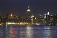 """Vista geral da cidade de Nova York em abril de 2011. Um novo estudo sobre as cidades do mundo que são mais """"24 horas por dia"""" situa Nova York apenas em 32o lugar da lista, muito atrás do Cairo, Montevidéu, Beirute, Málaga e Zaragoza, as cinco primeiras colocadas na lista. 04/04/2011 REUTERS/Lucas Jackson"""