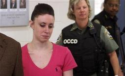 Casey Anthony deixa a prisão de Orange County, em Orlando, na Flórida, em julho. Anthony, a mulher que foi absolvida recentemente da acusação de ter assassinado sua filha de dois anos, é a pessoa mais odiada dos Estados Unidos, segundo uma nova pesquisa que monitora as percepções do público sobre celebridades. 17/07/2011 REUTERS/Red Huber