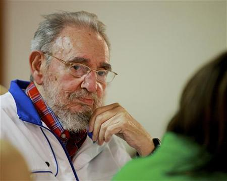 Former Cuban leader Fidel Castro attends an event at Havana University to celebrate the 65th anniversary of his joining the university to initiate his studies in 1945 in Havana November 17, 2010. REUTERS/Alex Castro/Cubadebate/Handout