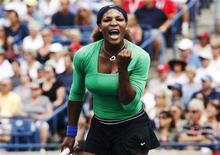 Serena Williams comemora ponto contra Samantha Stosur na final do Toronto Cup. Serena bateu sua adversária por dois sets a zero, com parciais de 6x4 e 6x2. 14/08/2011  REUTERS/Mark Blinch