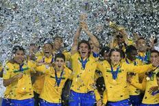 O Brasil, não sem dificuldade, se coroou campeão da Copa do Mundo Sub 20 da Fifa pela quinta vez no sábado, ao derrotar Portugal por 3 x 2 na final do torneio disputado na Colômbia, que trouxe um novo recorde de público ao evento. REUTERS/Pilar Olivares