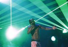 Lil Wayne no palco do BET Awards em Los Angeles, junho de 2011. Wayne lançará seu próximo CD no domingo. 26/06/2011   REUTERS/Mario Anzuoni