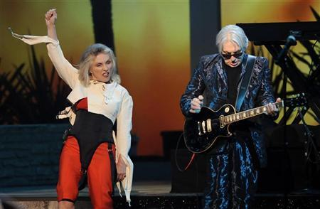 Blondie's Deborah Harry (L) and Chris Stein perform at the 8th Annual TV Land Awards in Los Angeles, California April 17, 2010. REUTERS/Gus Ruelas (UNITED STATES - Tags: ENTERTAINMENT)