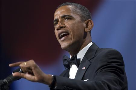 U.S. President Barack Obama makes a point during remarks at the Congressional Hispanic Caucus Institute's awards gala in Washington, September 14, 2011. REUTERS/Jonathan Ernst