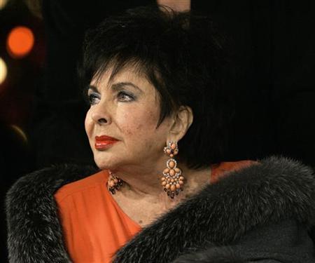 Elizabeth Taylor S Designer Clothes To Be Auctioned Reuters