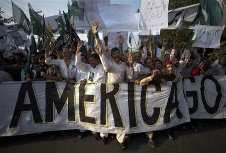 Some of nearly 300 residents, most of whom support the Sundar Sharif Sufi Shrine, take part in an anti-American rally through the streets of Lahore, September 28, 2011. REUTERS/Mohsin Raza