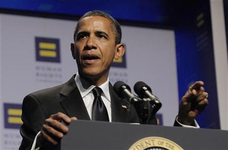 U.S. President Barack Obama delivers remarks at the Human Rights Campaign's annual dinner in Washington, October 1, 2011. REUTERS/Jonathan Ernst
