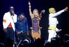Os Black Eyed Peas se apresentam no Arkansas, Estados Unidos, em junho. O grupo não vai mais participar de um concerto em homenagem a Michael Jackson. 03/06/2011 REUTERS/Sarah Conard