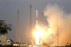 Foguete russo Soyuz, transportando os primeiros dois satélites do sistema de navegação europeu Galileo, na Estação Espacial Guiana, na Guiana Francesa. 21/10/2011  REUTERS/Benoit Tessier