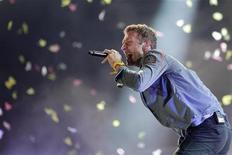 Chris Martin, vocalista do Coldplay, se apresenta no Rock in Rio 2011. 01/10/2011 REUTERS/Ricardo Moraes