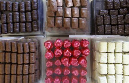10月21日、米国の科学者による調査で、甘い食べ物を好む人は人当たりが良く、人の手助けをする傾向が強いことが分かった。写真はブリュッセルで9月に撮影したチョコレート(2011年 ロイター/Yves Herman)