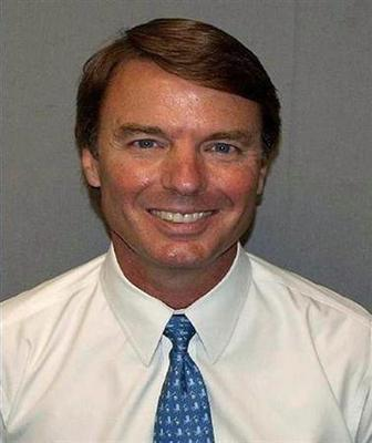 Judge says case against John Edwards can proceed
