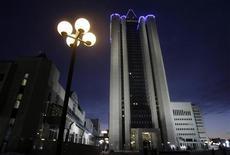 Вид на штаб-квартиру Газпрома в Москве 2 января 2009 года. Немецкий Wintershall и российский Газпром договорились о долях участия компаний в совместном освоении Уренгойского газового месторождения Газпрома и проектах Wintershall на Северном море. REUTERS/Denis Sinyakov