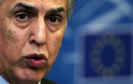 European ombudsman Nikiforos Diamandouros of Greece answers questions during a press briefing at the European Parliament in Strasbourg January 11, 2005. REUTERS/Vincent Kessler/Files