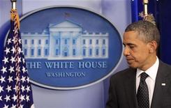 """Президент США Барак Обама после выступления по результатам переговоров """"суперкомитета"""" Конгресса в Вашингтоне, 21 ноября 2011 года. Американские законодатели в понедельник отказались от попыток взять под контроль растущую задолженность страны, давая понять, что Вашингтон, вероятно, не сможет решить спор по поводу налогов и расходов до 2013 года. REUTERS/Kevin Lamarque"""