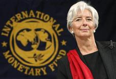Глава МВФ Кристин Лагард на пресс-конференции в Токио, 12 ноября 2011 г. Министры еврозоны пока не согласовали размер возможного увеличения средств Международного валютного фонда, но центральные банки готовы дать денег, если такое увеличение состоится, сообщили чиновники валютного блока в среду. REUTERS/Issei Kato