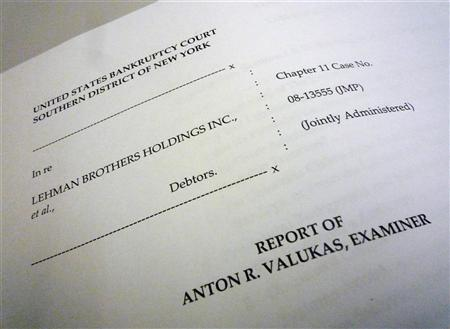 A view of the Lehman Brothers bankruptcy report prepared by court-appointed examiner Anton Valukas is seen in Washington April 14, 2010.   REUTERS/Jim Bourg