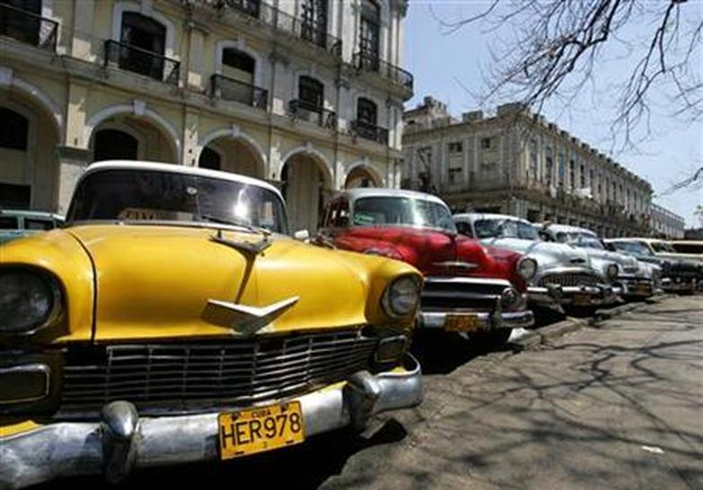 in cuba old clunkers and soviet cars now for sale reuters. Black Bedroom Furniture Sets. Home Design Ideas