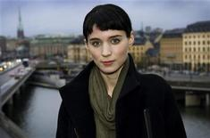 <p>Actress Rooney Mara poses during a press meeting in Stockholm, November 21, 2011. REUTERS/Scanpix/Claudio Bresciani</p>