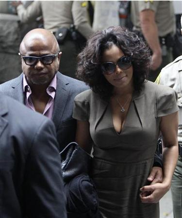 Randy and Janet Jackson arrive for Dr. Conrad Murray's trial in the death of their brother, pop star Michael Jackson in Los Angeles September 29, 2011. REUTERS/David McNew/Files