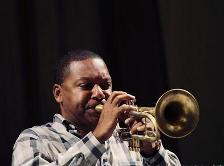 U.S. jazz trumpeter Wynton Marsalis plays trumpet during a rehearsal for a series of concerts in Havana October 4, 2010. REUTERS/Desmond Boylan