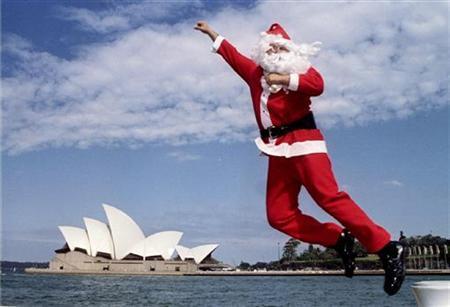 Christmas In Australia Santa.Us Defense Command To Track Santa S Flight Reuters Com