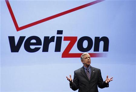 Lowell McAdam speaks at Verizon's iPhone 4 launch event in New York January 11, 2011. REUTERS/Brendan McDermid