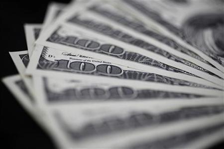 1月4日、東京外為市場午後3時のドル/円はニューヨーク午後5時時点とほぼ同じ76円後半。下攻めムードは乏しく底堅い推移になった。都内で昨年8月撮影(2012年 ロイター/Yuriko Nakao)