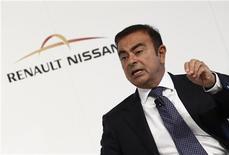 Глава Renault-Nissan Карлос Гон на пресс-конференции во время автосалона во Франкфурте-на-Майне 14 сентября 2011 года. Глобальные продажи альянса Renault-Nissan увеличились на 10 процентов в прошлом году, в частности благодаря восстановлению авторынка США и высокому спросу в Китае, чем воспользовался японский автопроизводитель. REUTERS/Alex Domanski