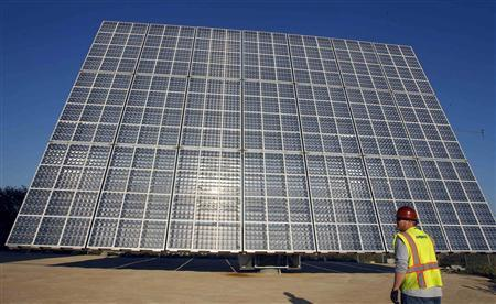 Analysis: New technology focuses the sun to cut solar's cost