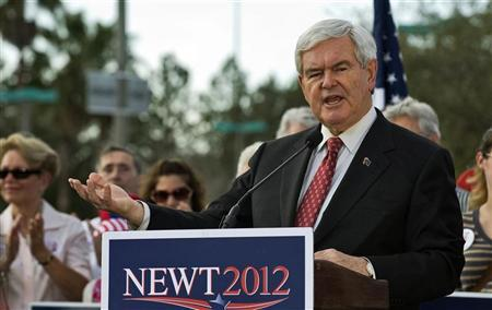 Republican presidential hopeful Newt Gingrich talks to supporters during a campaign rally in Tampa, Florida, January 23, 2012.  REUTERS/Steve Nesius