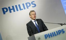<p>Frans Van Houten, directeur général de Philips. Le géant électronique néerlandais a fait état d'un bénéfice brut divisé par près de deux pour le quatrième trimestre 2011, tout en se disant prudent pour 2012 en raison des incertitudes économiques, notamment en Europe. /Photo prise le 30 janvier 2012/REUTERS/Paul Vreeker/United Photos</p>