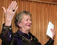 <p>Polish poet Wislawa Szymborska thanks members of the Polish Pen Club after receiving a Pen Club award on September 30. REUTERS/Stringer</p>