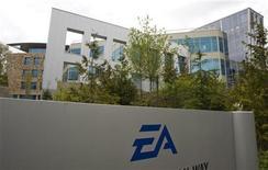 """<p>L'éditeur de jeux vidéo Electronic Arts a fait état de résultats trimestriels meilleurs que prévu à la faveur des ventes soutenues de son jeu vidéo militaire """"Battlefield 3"""" et des bons débuts, selon l'entreprise, de son très attendu """"Star Wars"""". /Photo d'archives/REUTERS/Andy Clark</p>"""