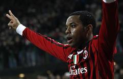 O atacante Robinho comemora gol do Milan contra o Arsenal durante vitória de 4 x 0 do time italiano nesta quarta-feira. REUTERS/Max Rossi
