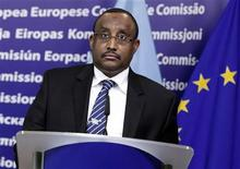 Somalia's Prime Minister Mohamed Ali Abdiweli attends a news conference after meeting with European Commission President Jose Manuel Barroso at the Commision's Headquarters in Brussels, February 21, 2012.  REUTERS/Sebastien Pirlet