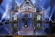O ator Billy Crystal apresenta a 84ª cerimônia de entrega do Oscar, em Los Angeles, Estados Unidos. 26/02/2012 REUTERS/Gary Hershorn