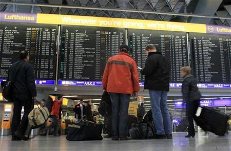 REUTERS/Alex Domanski (GERMANY - Tags: BUSINESS TRANSPORT EMPLOYMENT)