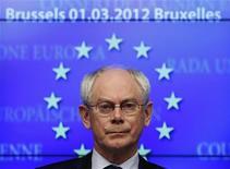Председатель Европейского совета Херман Ван Ромпей на пресс-конференции в Брюсселе, 1 марта 2012 г. Двадцать пять из 27 стран Европейского Союза (ЕС) подписали в пятницу предложенный Германией договор об ужесточении бюджетной дисциплины, который должен предотвратить чрезмерную трату средств, приведшую к экономическому кризису. REUTERS/Yves Herman