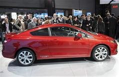 A 2012 Honda Civic Si is seen on display at the New York International Auto Show in New York City, April 20, 2011.         REUTERS/Mike Segar