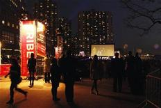 Movie fans attend an outdoor screening during last year's Tribeca Film Festival in New York.    REUTERS/Lucas Jackson
