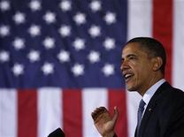 <p>Foto de archivo del presidente de Estados Unidos, Barack Obama, durante un evento benéfico en Houston, mar 9 2012. El presidente de Estados Unidos, Barack Obama, quien busca protegerse de los ataques contra sus políticas energéticas en medio de precios de gas altísimos y en un año electoral, recibió un informe el lunes que muestra un declive de un millón de barriles diarios en las importaciones de petróleo en el 2011. REUTERS/Larry Downing</p>