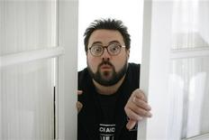 "Kevin Smith, director and writer of the movie ""Zack and Miri Make a Porno"", poses in Los Angeles October 19, 2008. REUTERS/Mario Anzuoni"