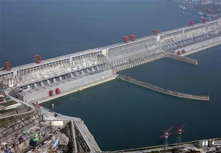 The Three Gorges Dam on the Yangtze River in Yichang, Hubei province is seen in this aerial view taken December 2, 2009. REUTERS/Stringer
