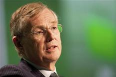 Toronto-Dominion Bank Group President and Chief Executive Ed Clark delivers a speech at the company's annual general meeting in Victoria, British Columbia March 31, 2011. REUTERS/Ben Nelms